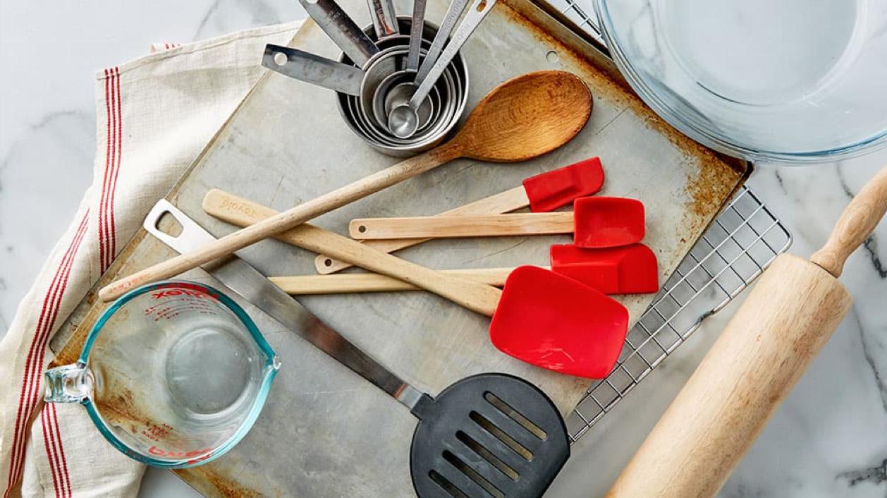 các dụng cụ làm bánh