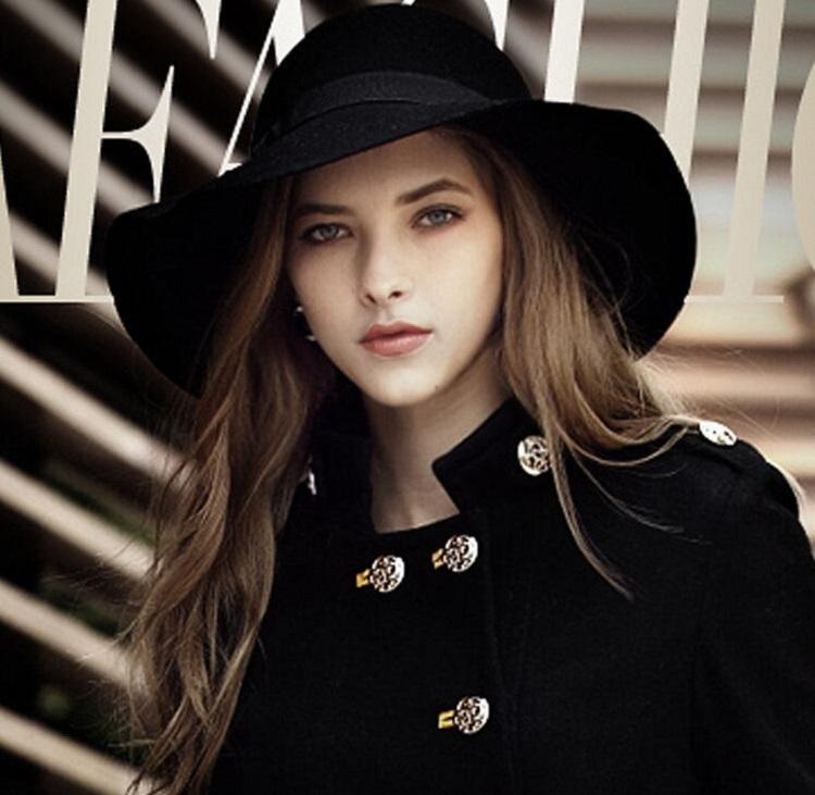 Mũ rộng vành thời trang nữ