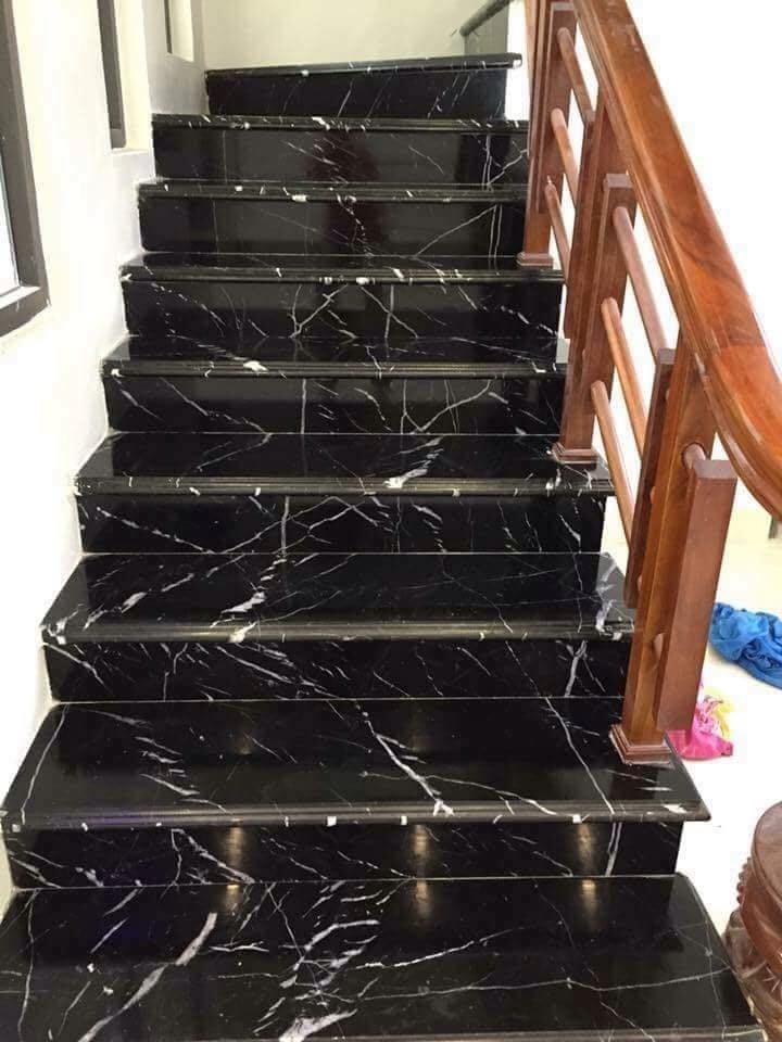 cầu thang gác lửng bằng đá