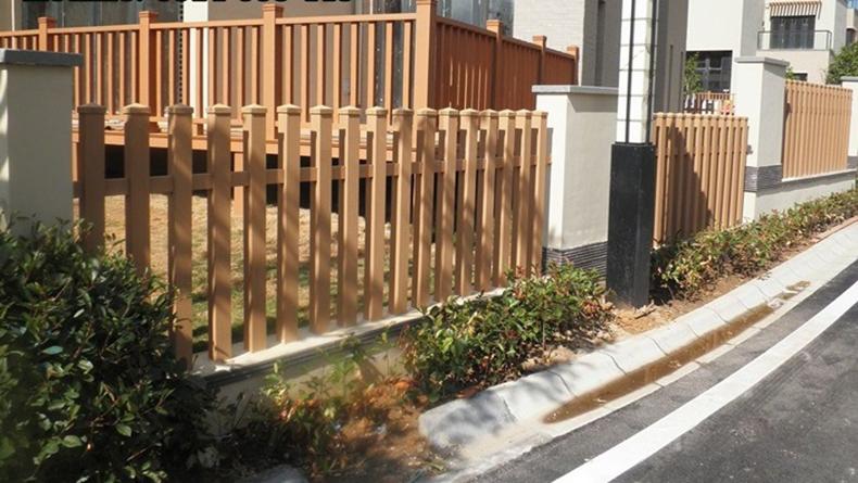 mẫu hàng rào bằng gỗ