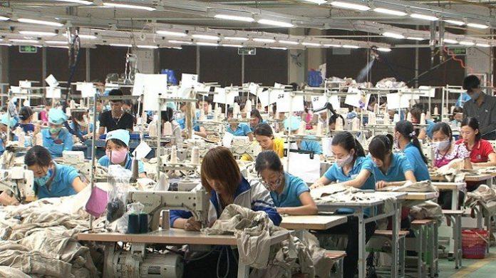 xưởng may quần áo giá sỉ tại TPHCM