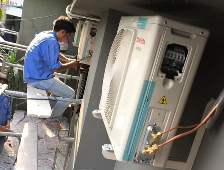 Dịch vụ tháo lắp máy lạnh công ty BÁCH KHOA
