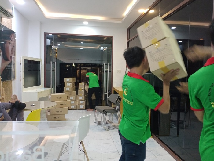 Dịch vụ bốc xếp hàng hóa chuyển nhà 24H